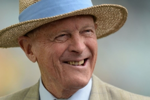 Geoff Boycott knighthood criticised by domestic abuse charities