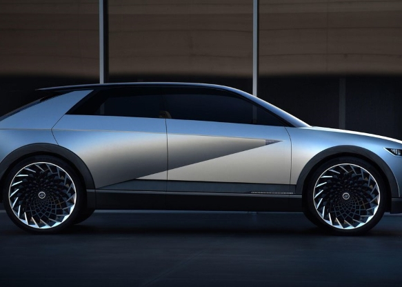 Hyundai 45 EV concept is a hip hatch with retro looks