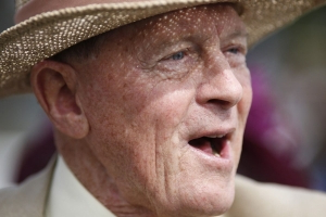 Labour calls for Sir Geoffrey Boycott to be stripped of his knighthood over domestic violence conviction