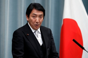 Disputing colleague, new Japan minister calls no-nukes policy 'unrealistic'