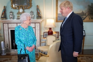 Boris Johnson dément avoir menti à la reine Elizabeth