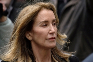 Felicity Huffman Issues Apology After Receiving Prison Sentence: 'There Are No Excuses'