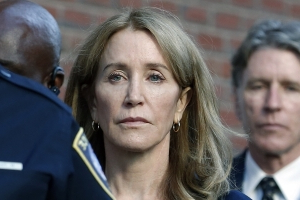 Felicity Huffman Likely to Serve Majority of 14-Day Jail Sentence: Expert