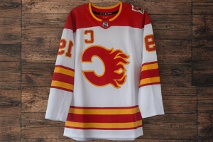 Jets, Flames and Blues release throwback jerseys, and they're nice