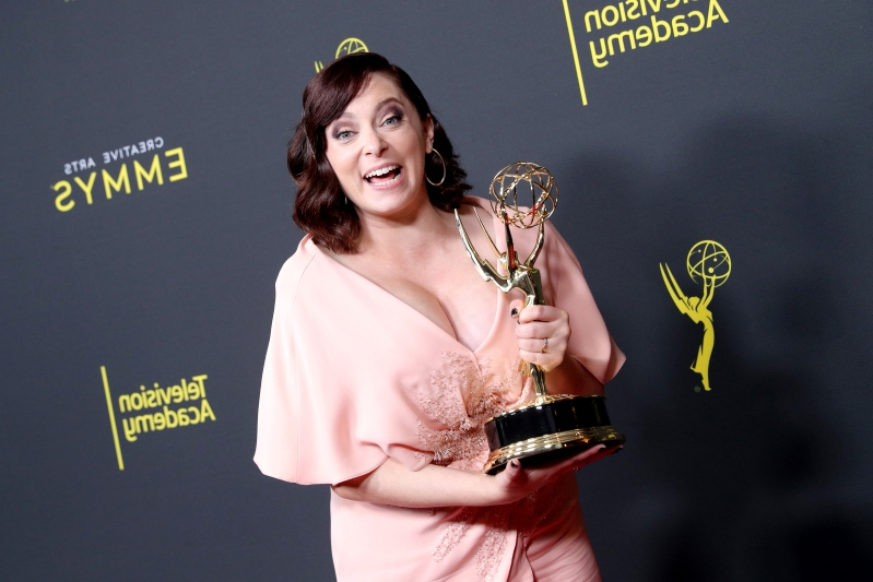 One Emmy, Three Months Pregnant: Rachel Bloom Wins & Makes Announcement at Creative Arts Ceremony