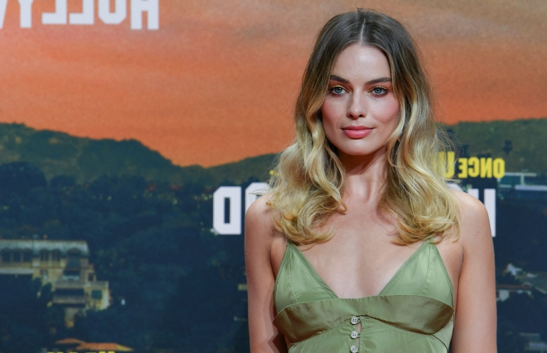 Margot Robbie in Talks to Executive Produce, Star in Comedy 'Fools Day'