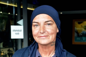Sinead O' Connor alleges Prince attacked her and other women