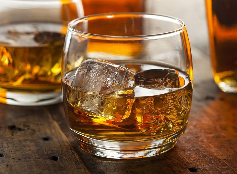 The Real Difference Between Scotch and Bourbon