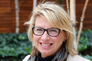 Family law inquiry criticised by Rosie Batty as Pauline Hanson expects to be announced co-chair