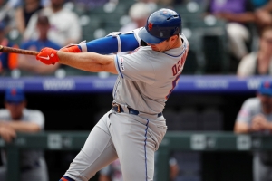 Alonso hits 49th HR, helps Mets rally in 9th to beat Rockies