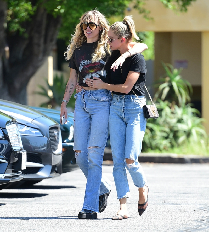 LOS ANGELES, CA - SEPTEMBER 14:  Miley Cyrus and Kaitlyn Carter are seen on September 14, 2019 at Los Angeles.  (Photo by Chris Wolf/Star Max/GC Images)