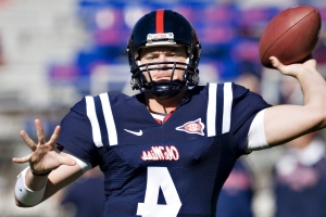 Police: Ex-Texas, Ole Miss QB Snead died, foul play not suspected