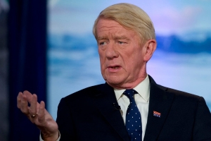 Bill Weld says Donald Trump committed 'treason' amid Ukraine scandal