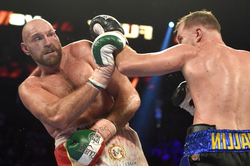 LAS VEGAS, NEVADA - SEPTEMBER 14: Tyson Fury (R) and Otto Wallin fight during their heavyweight bout at T-Mobile Arena on September 14, 2019 in Las Vegas, Nevada. Tyson won by an unanimous decision after the 12-round bout.  (Photo by David Becker/Getty Images)