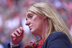 Tracey Neville reveals that she had a miscarriage the day after she coached the England netball team to Commonwealth gold