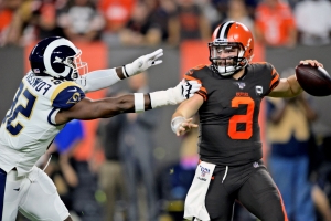 Browns coach Kitchens calls Mayfield criticism 'asinine'