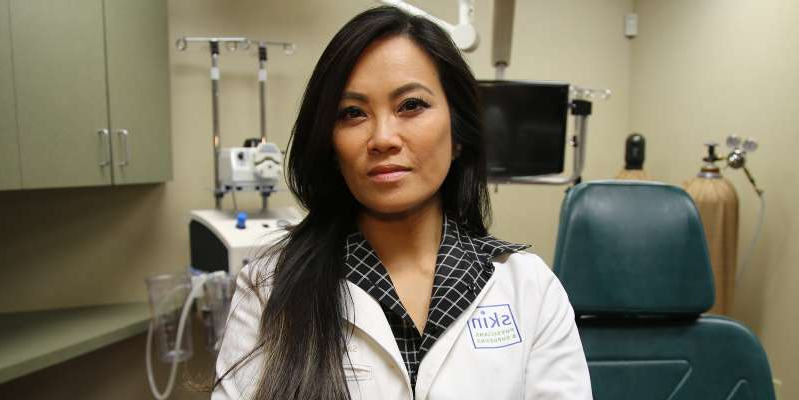 Health Dr Pimple Popper Lives By A 14 Healing Ointment