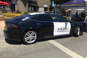 Tesla police car nearly runs out of power during chase