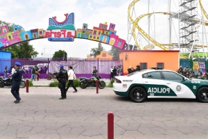 Two killed when roller coaster jumps its track in Mexico
