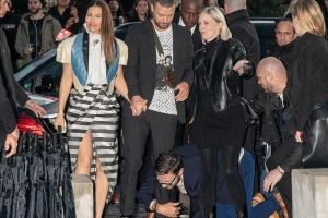 Justin Timberlake Grabbed by Notorious Prankster While Walking into Paris Event with Jessica Biel