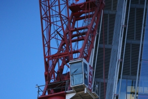 Man arrested after nearly six hours on crane near the Shard