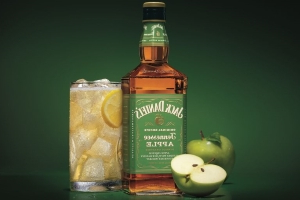 Jack Daniels' New Apple Whiskey Is Begging To Be Added To Hot Toddies This Fall