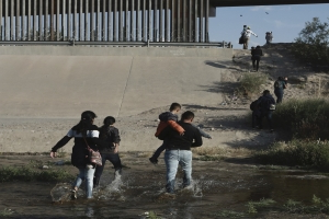 Most illegal crossings in 12 years: Border Patrol took 851,000 into custody during fiscal 2019