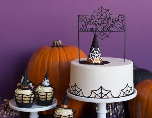 Slide 41 de 96: Paper_Cut_Halloween_Cake_Toppers_Witch