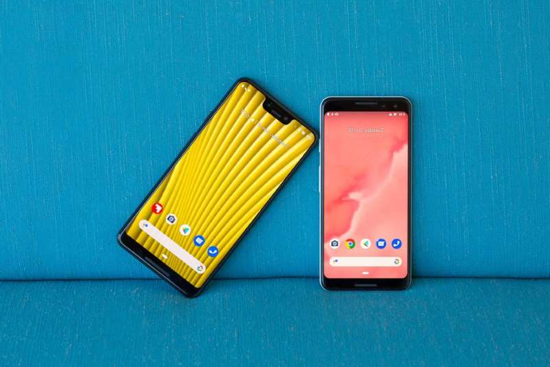 a close up of a device: Last year's Pixel 3 and 3 XL. Angela Lang/CNET