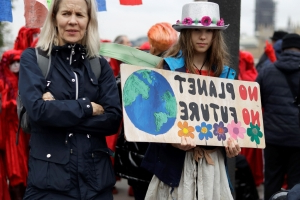 Extinction Rebellion begins week of action with march through Dublin