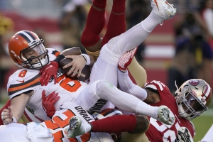 49ers stay perfect, dominate Mayfield, Browns in 31-3 win
