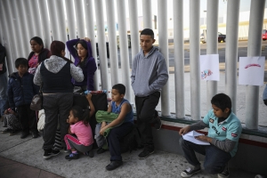 U.S. arrested nearly 1 million migrants at border in past 12 months