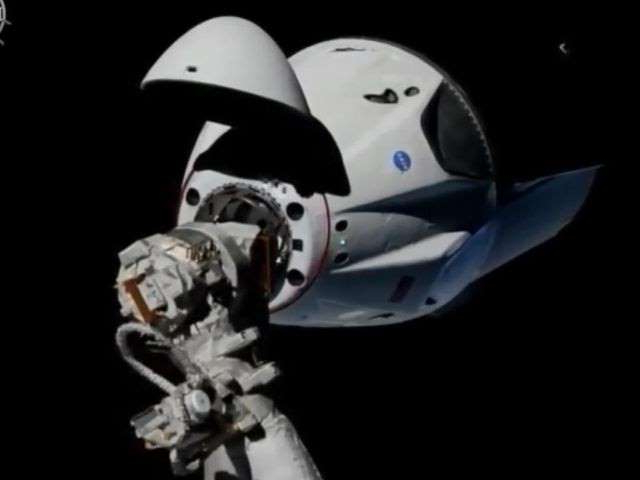 Elon Musk says SpaceX Crew Dragon could be almost ready by Christmas