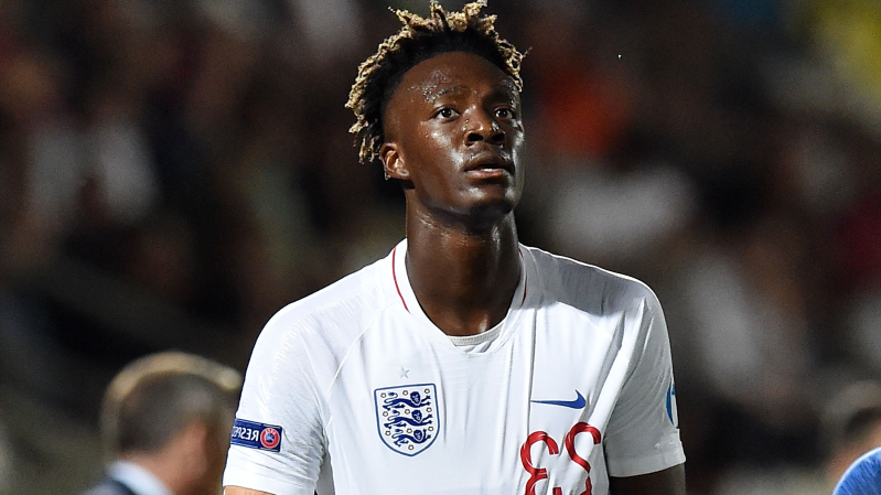 Tammy Abraham wearing a uniform: Tammy Abraham England U-21 2019