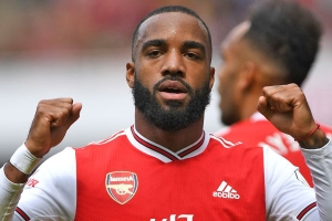 Lacazette aiming for Sheff Utd return