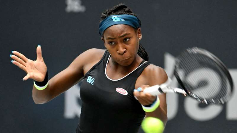 a woman with a racket: Coco Gauff won a first WTA title in Linz