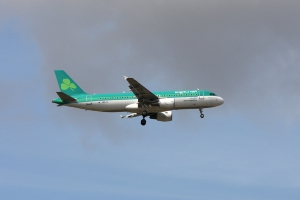 Aer Lingus flight forced to return to Dublin after being struck by lightning
