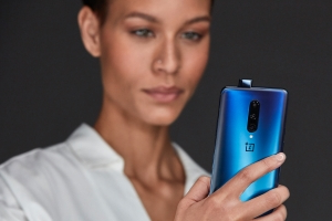 OnePlus 7 receiving Android 10 update ahead of Samsung Galaxy Note 10