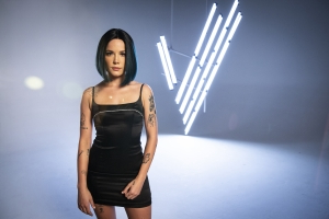 Halsey Reveals Her 'Voice' Performance Led To Homophobic Rape Threats: 'All Hell Broke Loose'