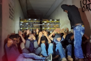 Border Patrol agents in Arizona find 32 migrants hiding in back of semitruck on Interstate 19
