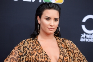 Demi Lovato's Nude Photos Leaked Online After Her Snapchat Gets Hacked