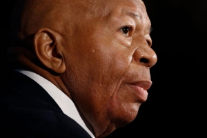 Hours before passing, Elijah Cummings signed subpoenas directed to two US immigration agencies