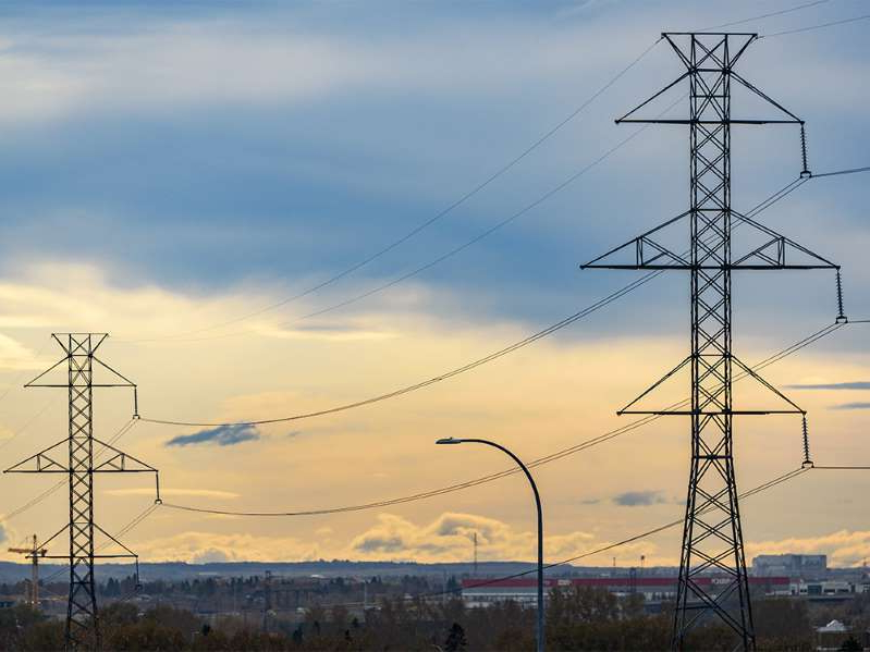 Pictured are power lines near Deerfoot Trail in Calgary on Thursday, October 17, 2019. Azin Ghaffari/Postmedia Calgary