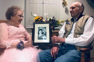 Couple's 72nd anniversary photoshoot goes viral