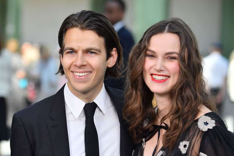 Keira Knightley, James Righton are posing for a picture