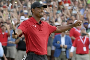 Woods delayed knee surgery after winning 2018 Tour Championship