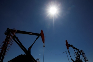 Oil prices edge up on U.S.-China trade optimism, but demand concerns cap