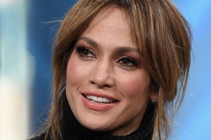 Jennifer Lopez shares unseen photo from inside family home with daughter Emme