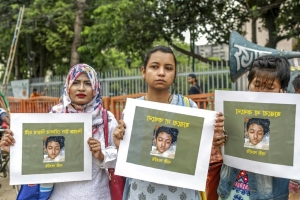 16 sentenced to death for burning alive Bangladesh teen