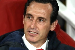 Emery frustrated by Ozil questions after Arsenal edge out Vitoria